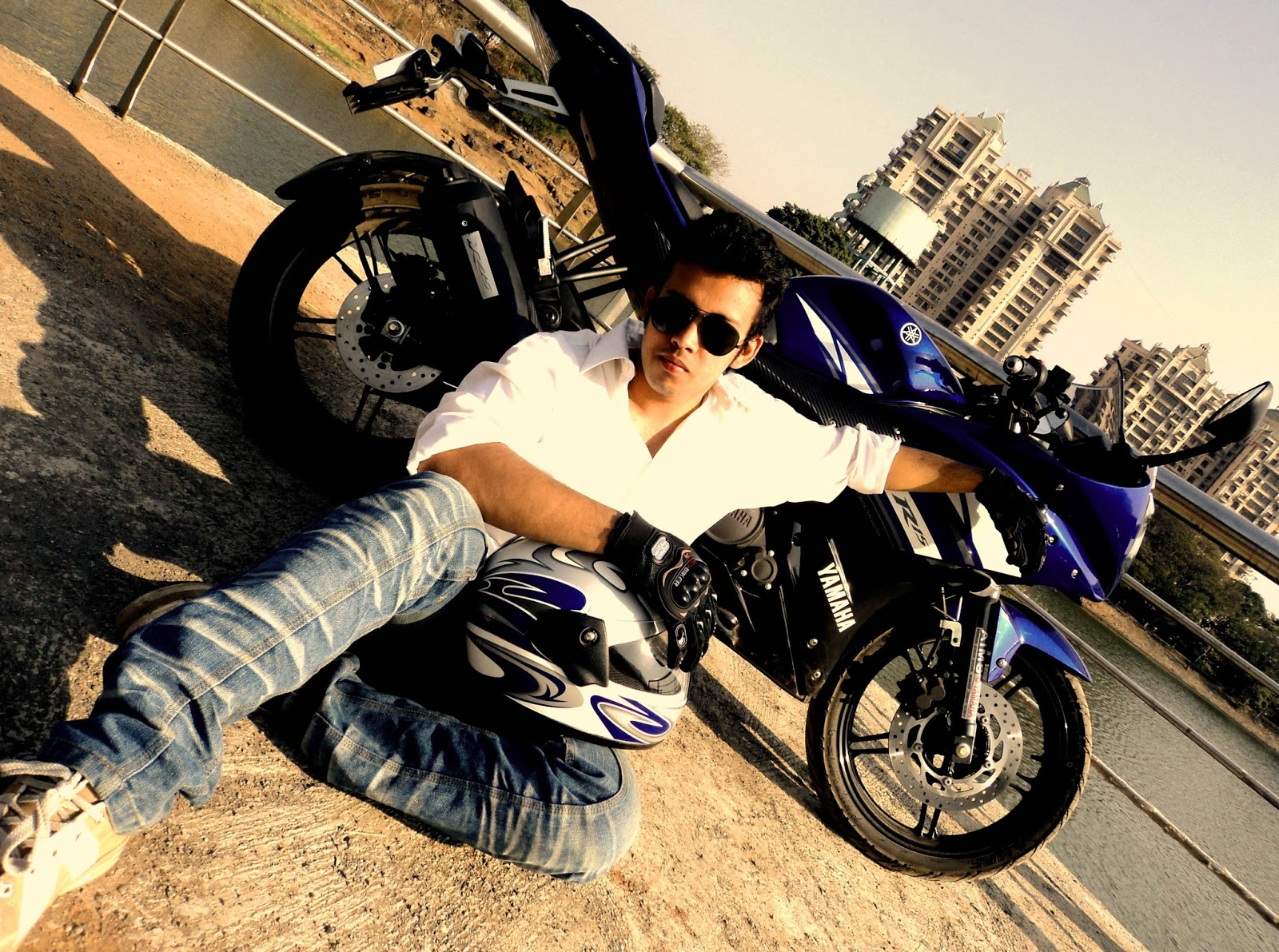 Yamaha YZF R15 Exclusive Wallpapers  Bikes4Sale