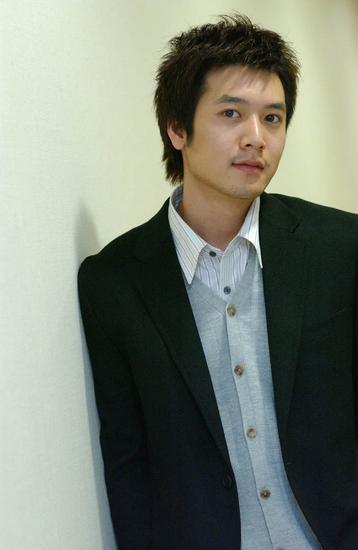 Jo Hyeon-jae sebagai Han Kang