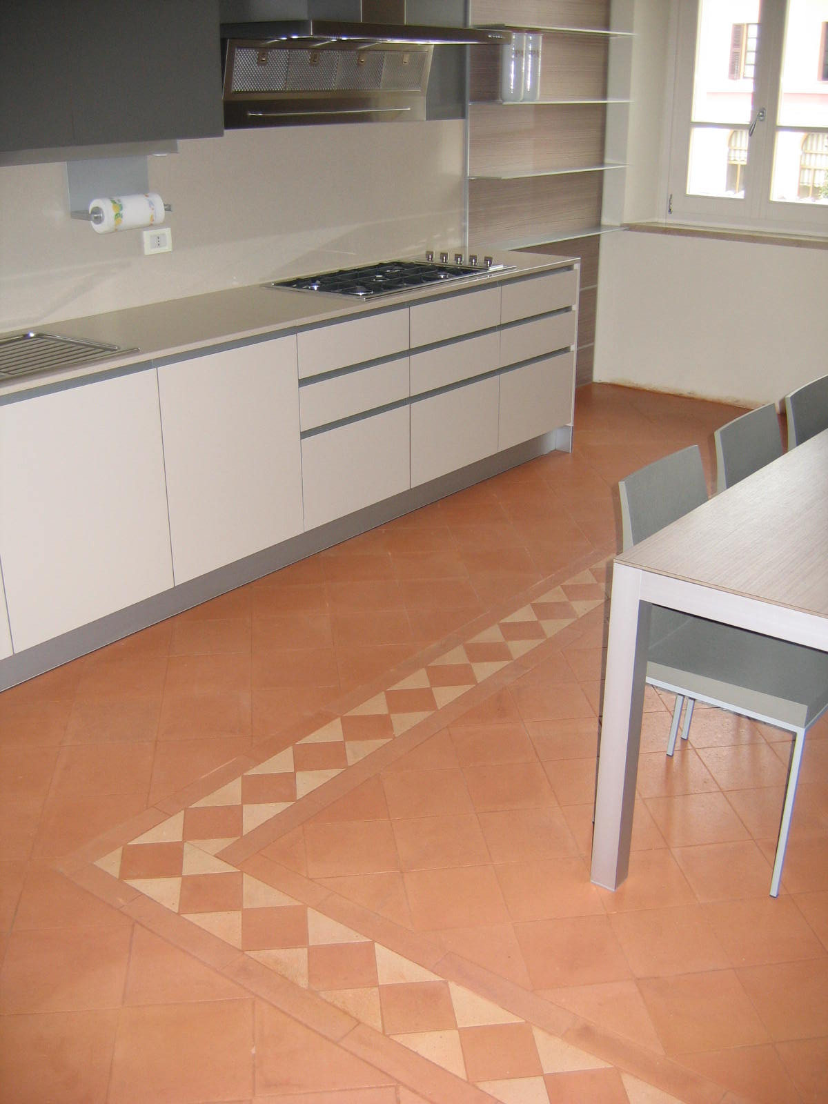 Pavimenti senza fughe piastrelle sottili grande formato - Prodotti per pulire le fughe dei pavimenti ...