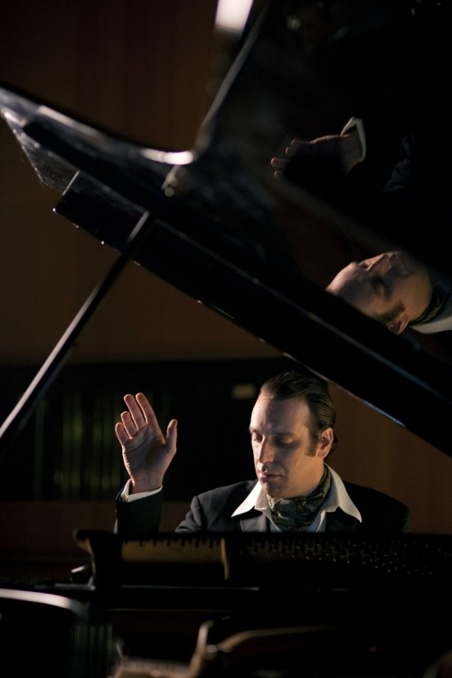 Chilly Gonzales - YouTube