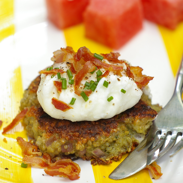 no reEATS: July 31 Pesto Quinoa Cakes