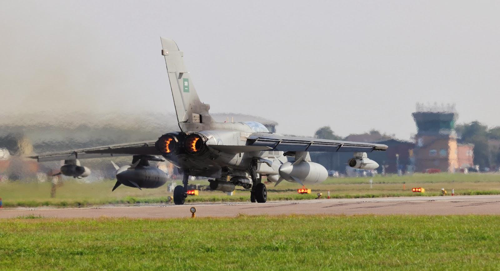 الموسوعه الفوغترافيه لصور القوات الجويه الملكيه السعوديه ( rsaf ) - صفحة 6 Saudi+Tornado+Fighter+Jet+Royal+Saudi+Air+Force+(RSAF)+Panavia+Tornado+IDS++(3)