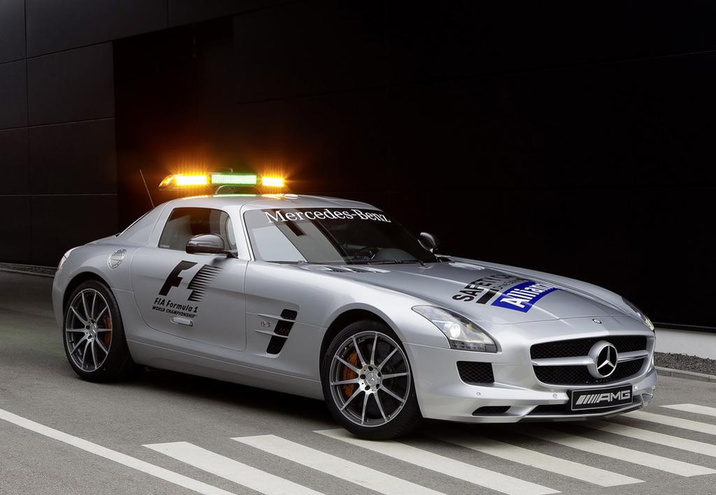 Mercedes benz 2013 mercedes benz sls amg gt f1 safety car for Mercedes benz safety