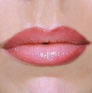 aperçu couleur maquillage rouge a levre, gloss