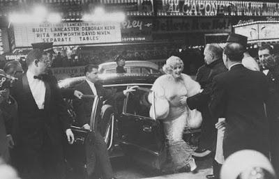 Estreno Con faldas y a lo loco, 1959
