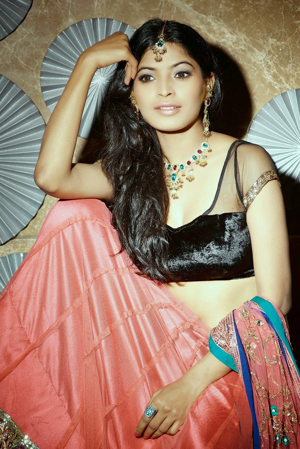 Sanchita Shetty - Hot Navel And Backless HQ Photos