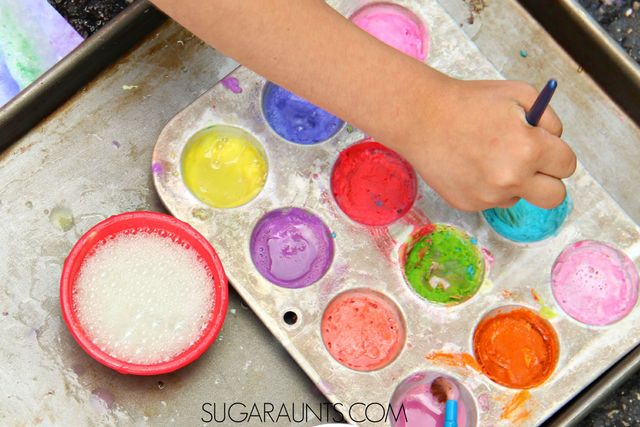 Make your own Baking Soda Vinegar reaction paints for bold and bright colored creative art for kids.