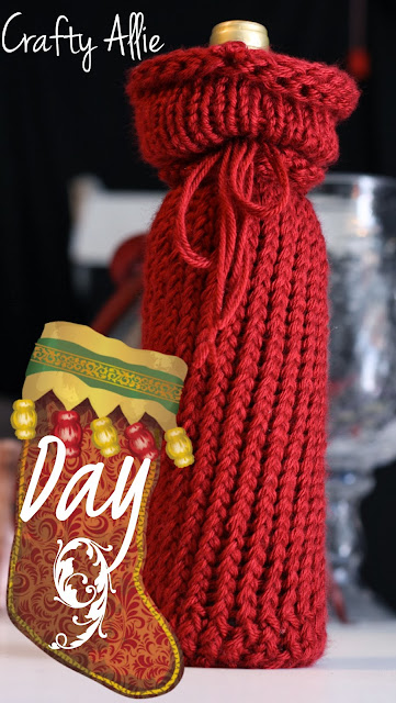 http://thecraftiestallie.blogspot.com/2013/12/12-days-of-christmas-day-9-knitted-wine.html
