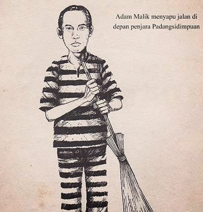Adam Malik menyapu jalan di depan penjara Padangsidimpuan