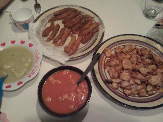 cena puré verduras, gazpacho, potón gallega y colas langostino frebozadas