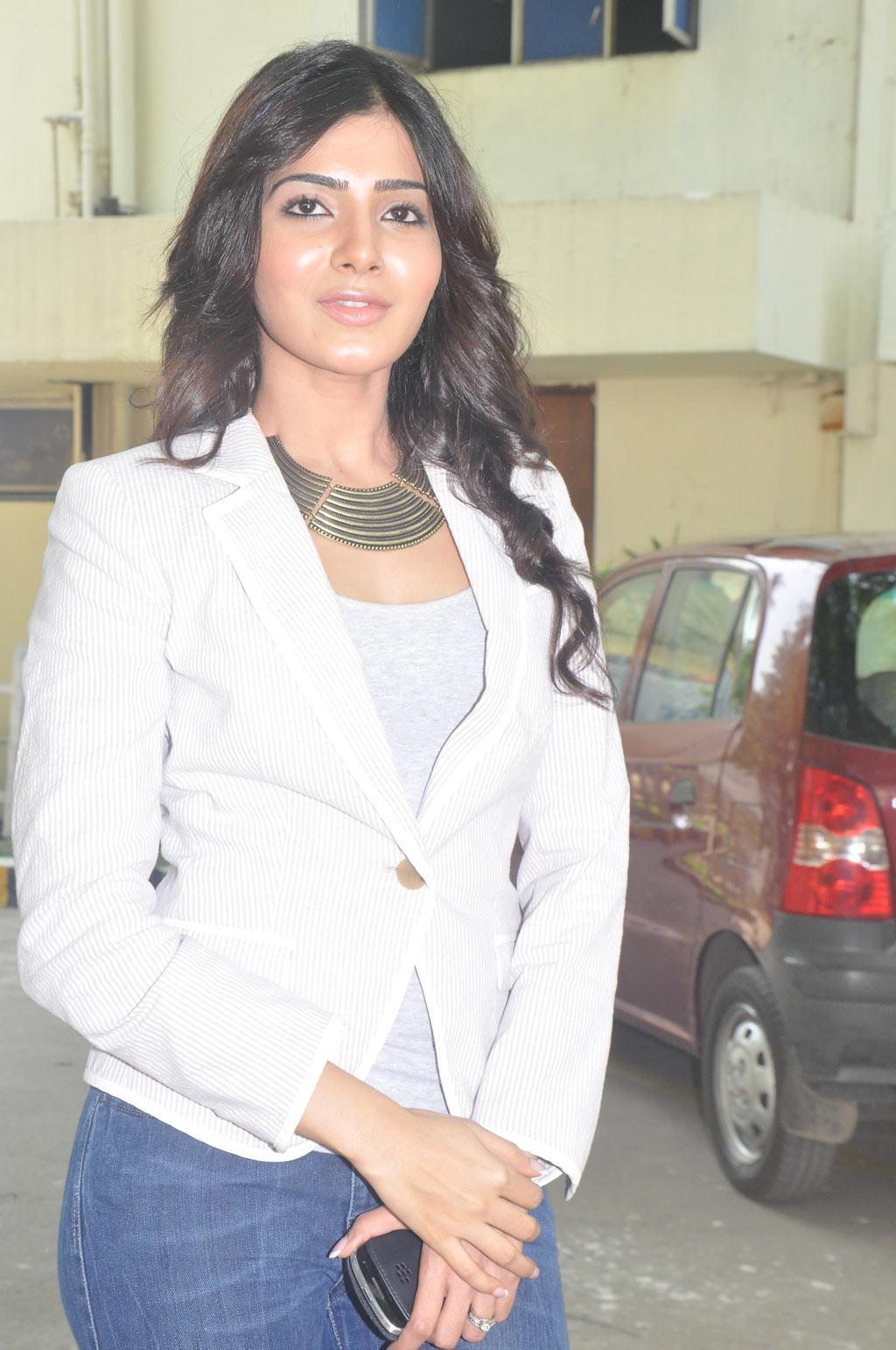 Eega photo gallery Telugu cinema Nani & Samantha