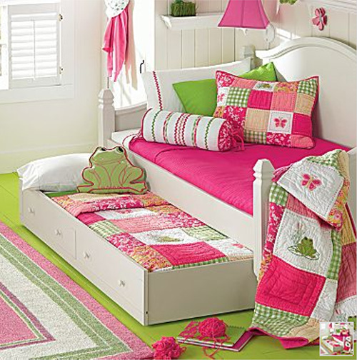 Bedroom ideas little girls bedroom decorating ideas for Bed designs for girls