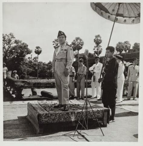 sihanouk-angkor-1949
