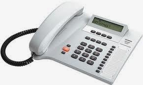 مكالمة هاتفية تتسبب في قتل ثلاثة اشخاص