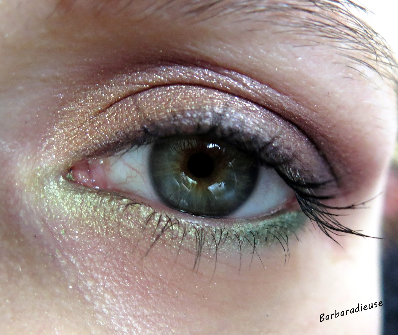 Makeup soft color by sleek - Maquillage chapelier fou ...
