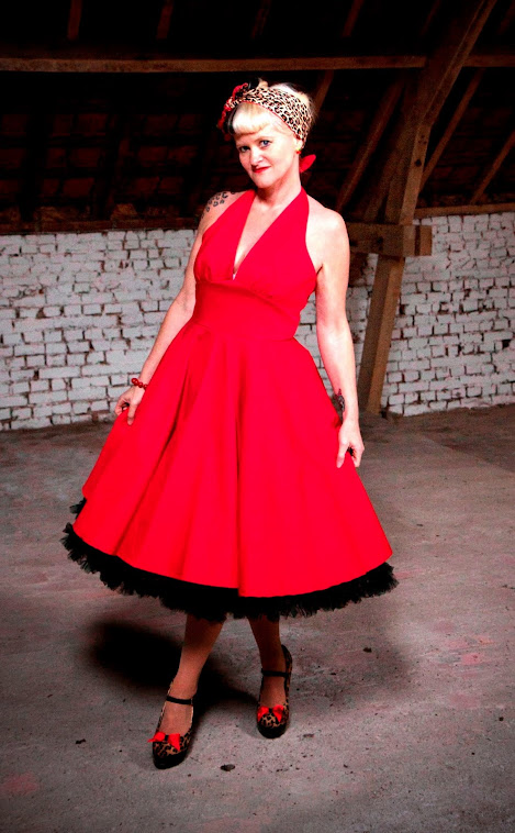 Red Marilyn pin-up swingdress.