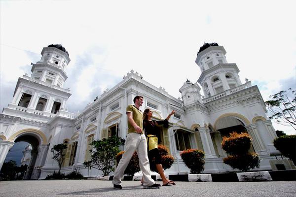 foto gambar Masjid Sultan Abu Bakar, Johor Bahru malaysia