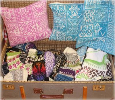 Koffert med strikkeplagg