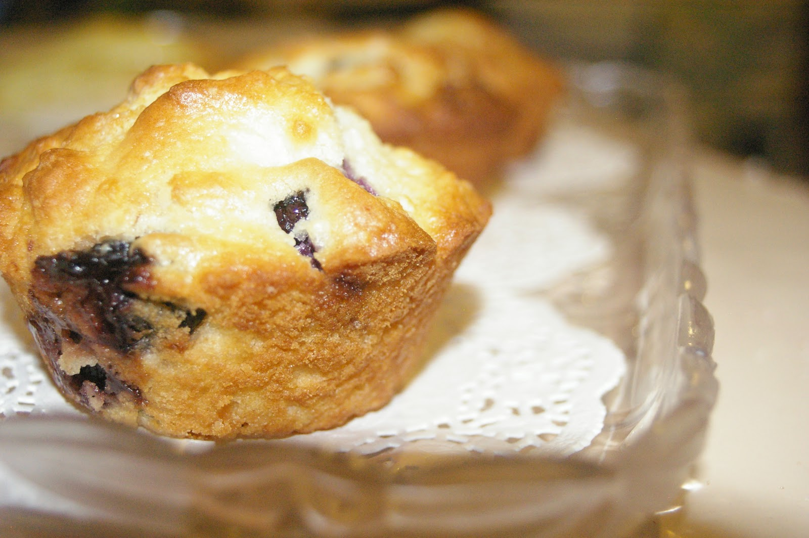 Domesblissity: Blueberry & White Chocolate Muffins