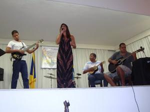 Thiago Rosa(guitarra) Camila Jatobá(voz), Washington Oliveira(cavaquinho),Marcos Miranda (violão)
