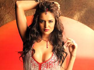 Nathalia Kaur Big Deep Cleavage Photos