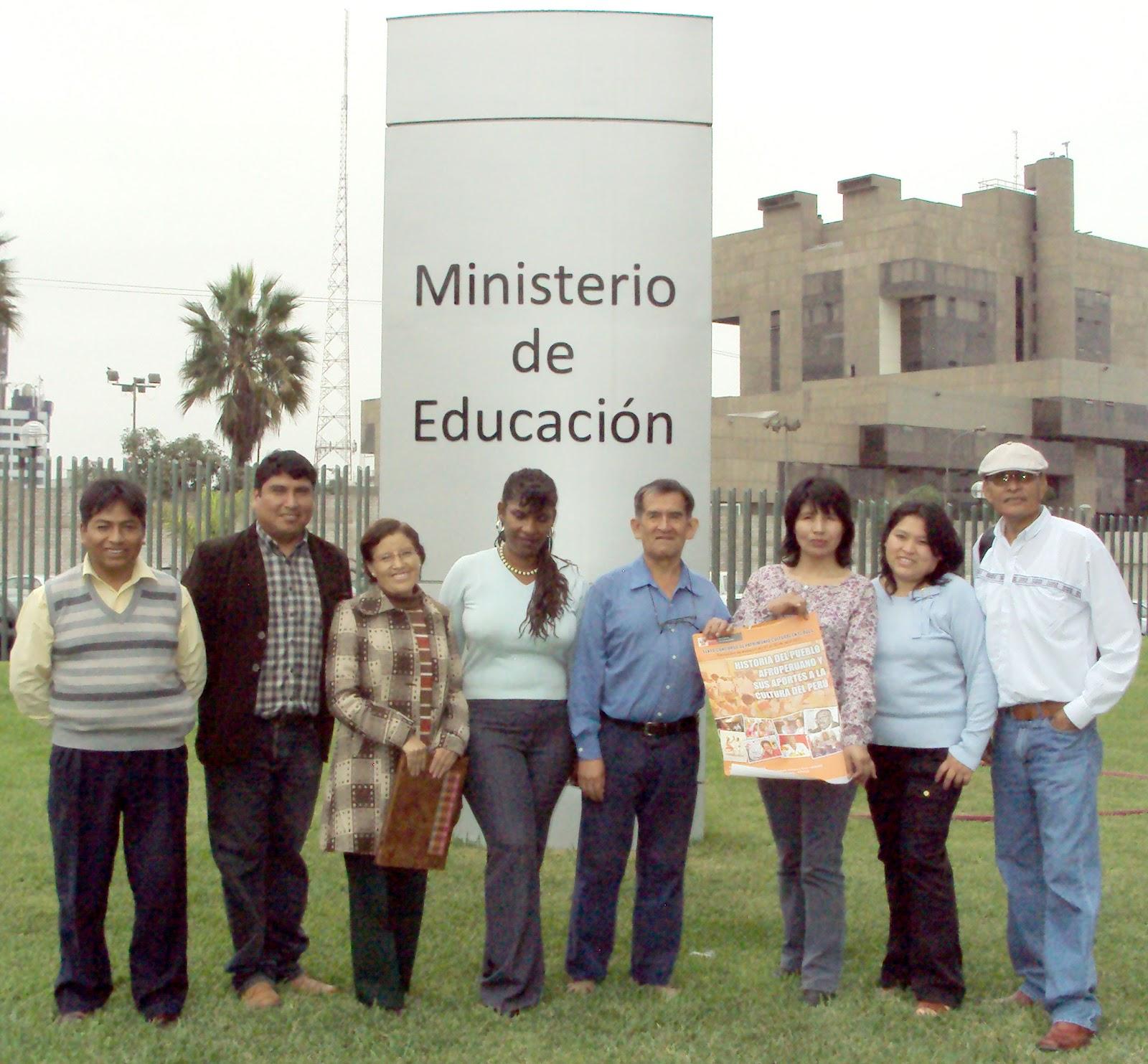Premian a ganadores de concurso sobre historia del pueblo for Educacion exterior