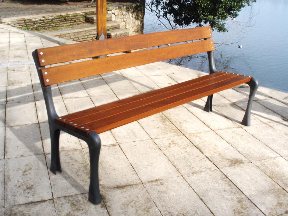 Manufacturas deportivas nuevos banco y silla arn a para for Mobiliario urbano caracteristicas