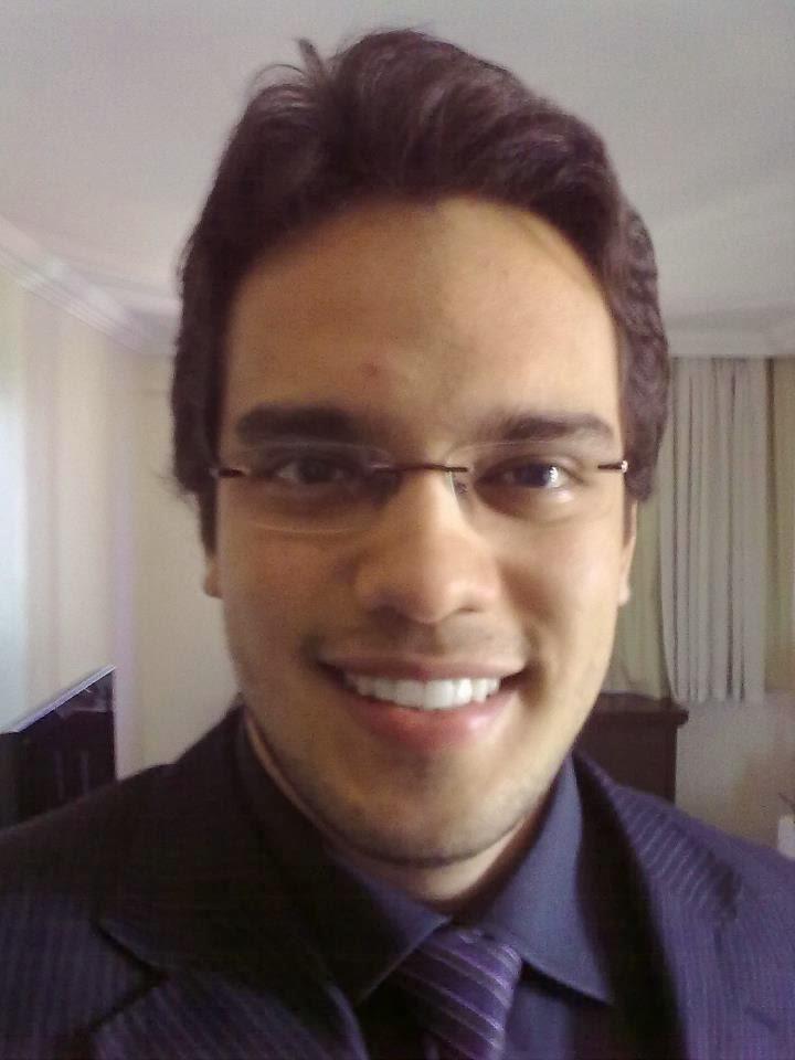 André Cruz - Porta-controle e porta-lápis personalizado