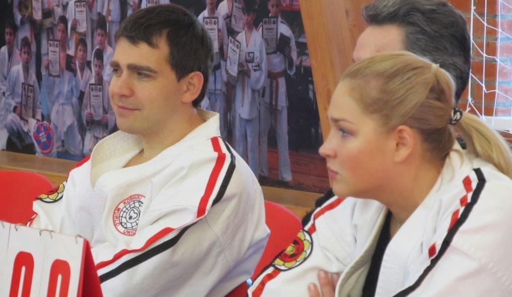 Ханси М.В.Крысин WKKU: Работа председателя НСНБР А.Г.Огнивцева (автор фото) на чемпионате ЦФО по Косики каратэ 2014 в Серпухове.