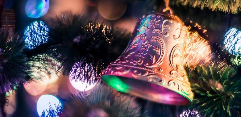 Foto Bokeh lonceng natal