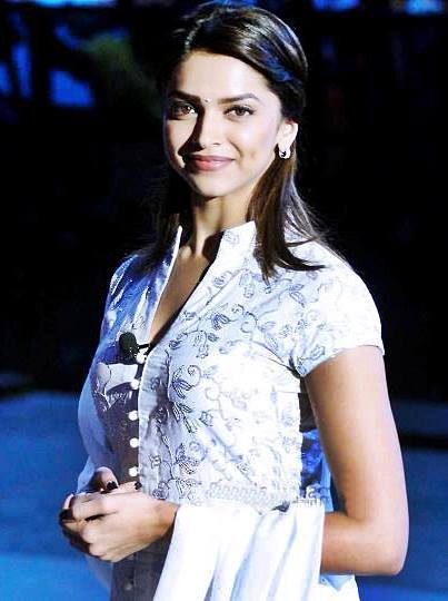 Hot Deepika Padukone Stunning Latest Sexy Pics - Indian Stunnin