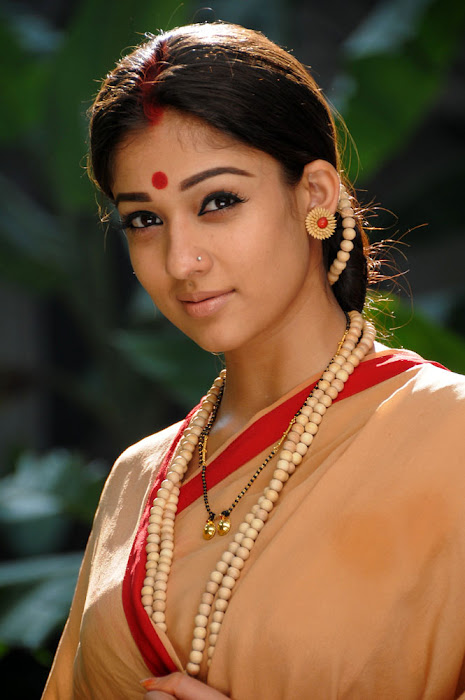 nayanatara from sri rama rajyam, nayanatara in sitha getup hot images