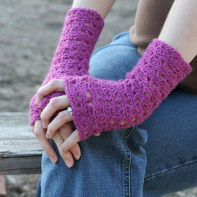 Free Crochet Patterns Lace Gloves : Crochet For Free: Ripple Lace Fingerless Gloves