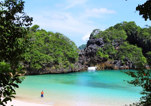Menyambangi Pesona dan Keindahan Pulau Sempu Jawa Timur