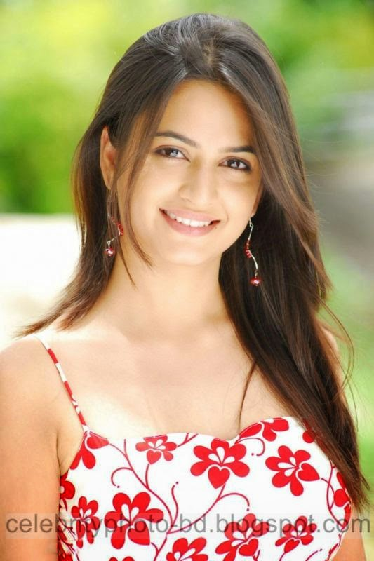 Actress%2BKriti%2BKharbanda%2BHot%2Band%2BSpicy%2BStills%2BPhotos%2BCollection006