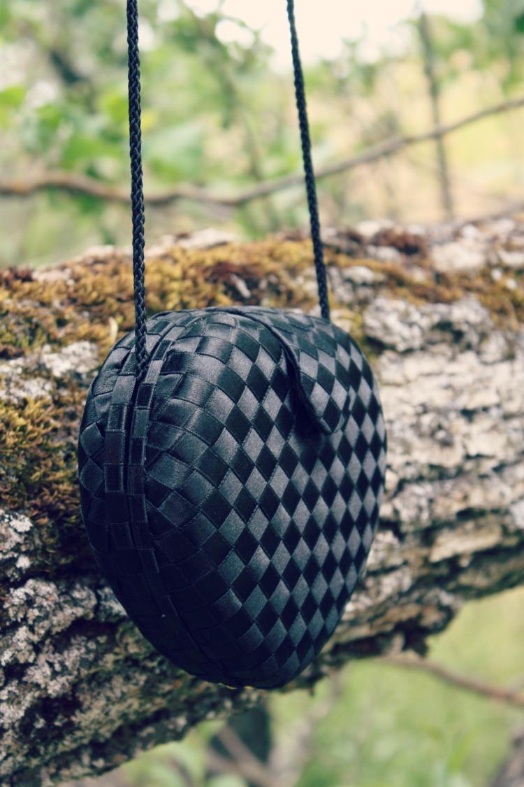 vintage black heart shaped purse