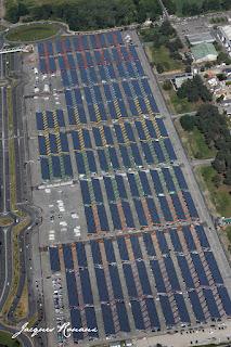 photo aerienne de la nouvelle centrale solaire de Bordeaux Lac
