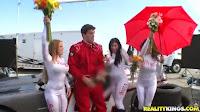 juara balapan hadiahnya ngentot sama 3 umbrela girls