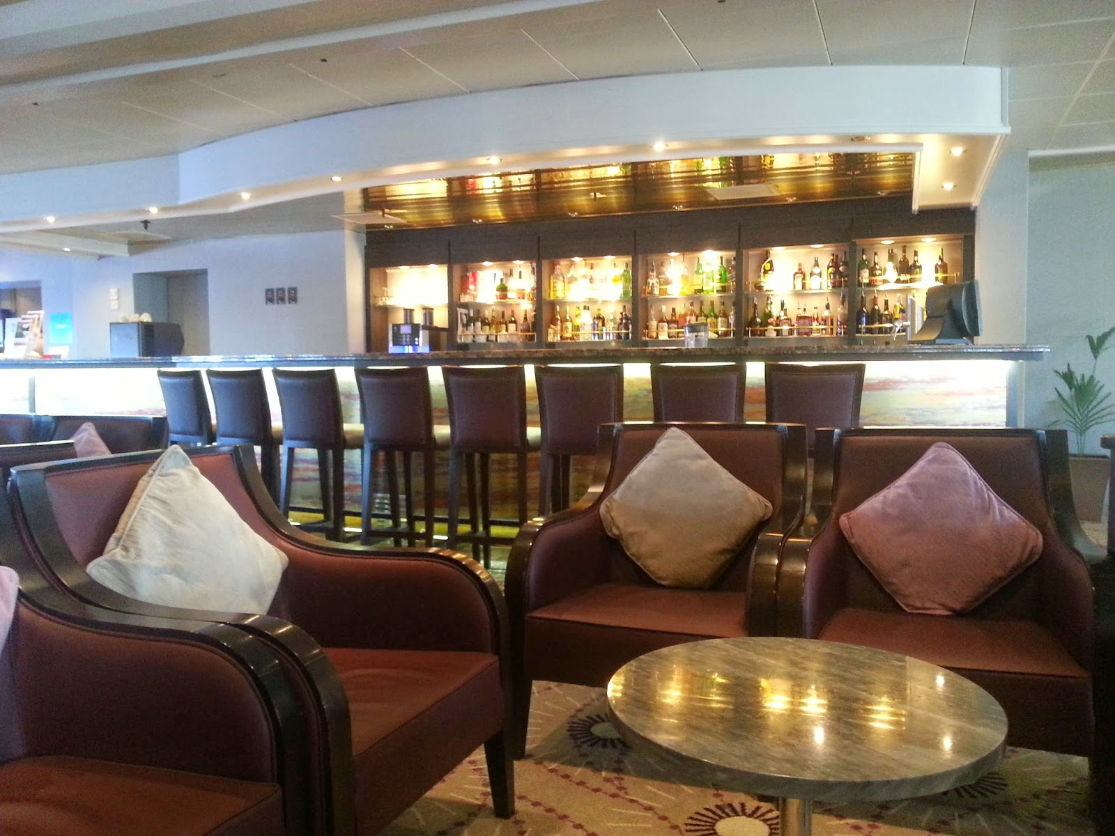 On Board Voyages of Discovery's Cruise Ship MV Voyager - Scott's Lounge