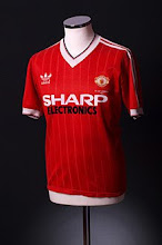 1982-84 Manchester United Home Shirt