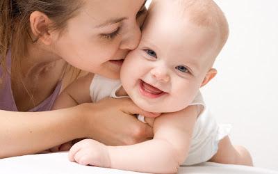 http://2.bp.blogspot.com/-YYBXn2Nt2Ws/T9BeHyhdDEI/AAAAAAAAJbU/9shJTHiUJuU/s1600/mother-cares-Baby.jpg