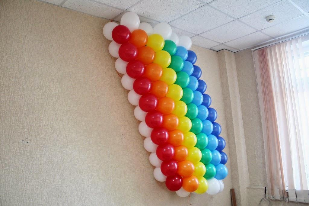 панно радуга из воздушных шаров
