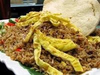 Sensasi Pedas Nasi Goreng `Janc*k` Surabaya
