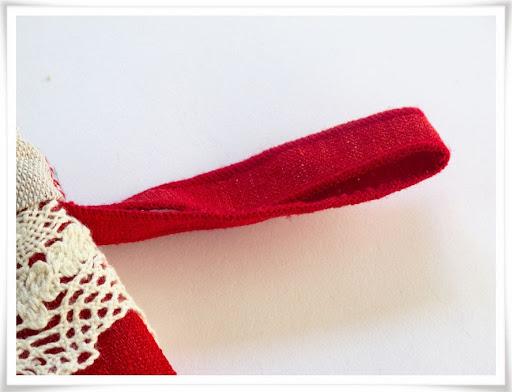 Test med rullfåll på julstrumpans hängare