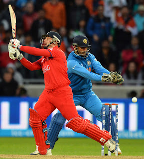 James-Tredwell-India-vs-England-Champions-Trophy-2013