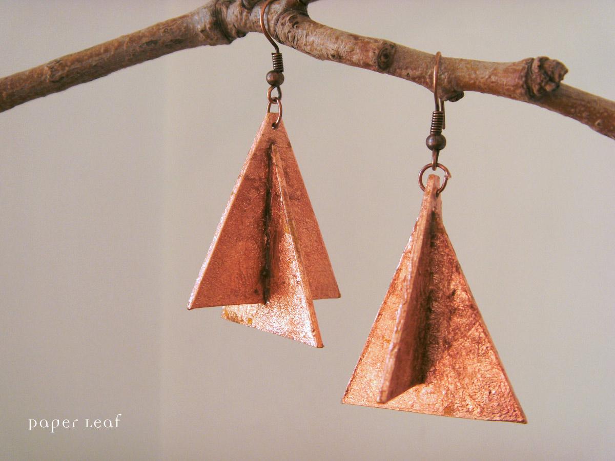 http://2.bp.blogspot.com/-YYu3desrGdc/Ty6uaiHQ35I/AAAAAAAABRg/X3w--PX5mvA/s1600/PL_Metropolis_02_paper_earrings.jpg