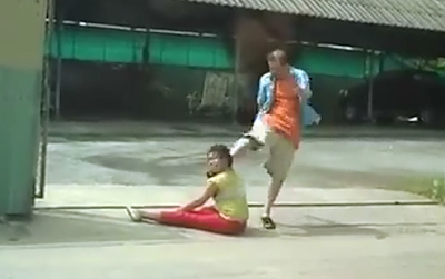 Agrede a su Mujer