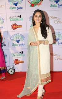 Actress Anushka Shetty Latest Pictures in Salwar Kameez at Memu Saitam Dinner with Stars Red Carpet  14)