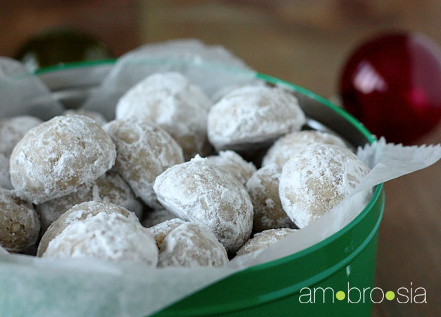 ambrosia: Mexican Wedding Cookies