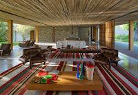Rumah Tropis Gaya Etnik 15